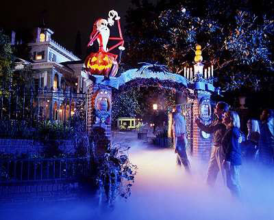 "L'attraction ""Haunted Mansion"" de Californie à Halloween"